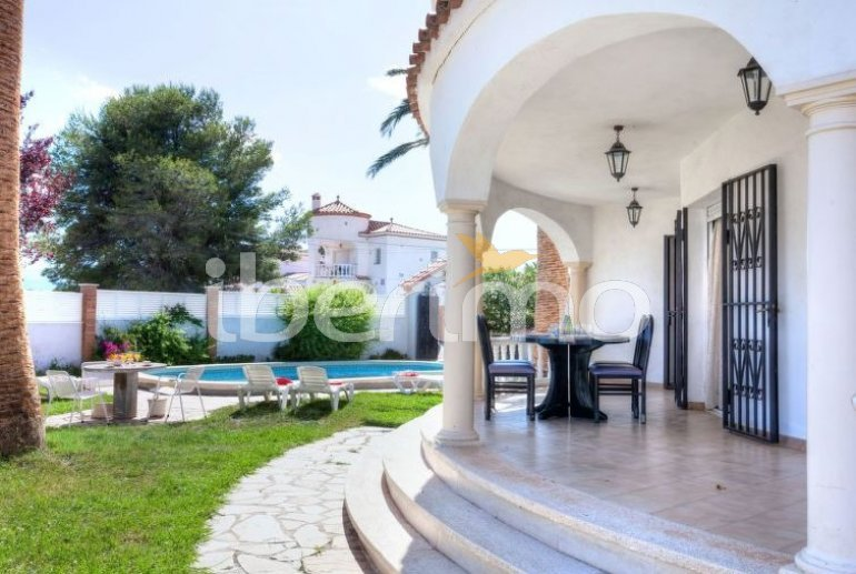 Villa   Miami Platja para 8 personas con piscina privada p3