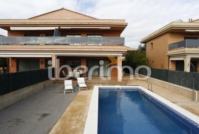 Villa   L'Ampolla para 6 personas con piscina privada p2