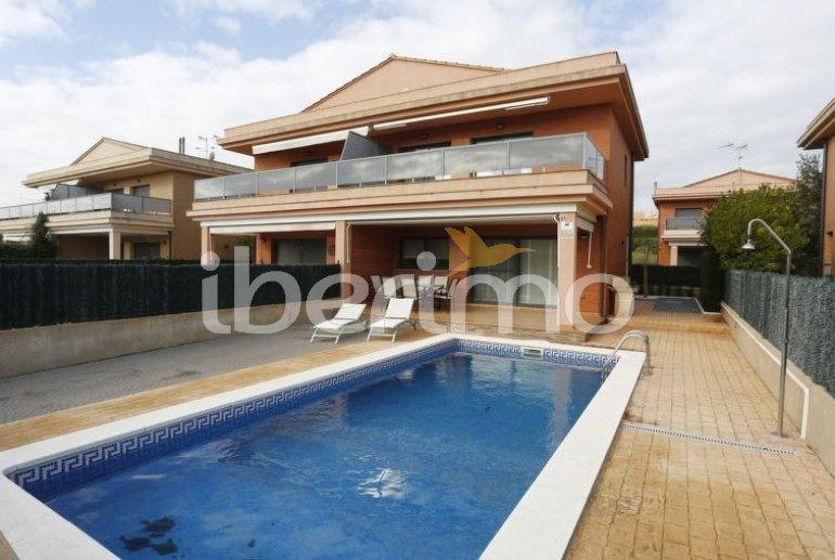 Villa   L'Ampolla para 6 personas con piscina privada p3