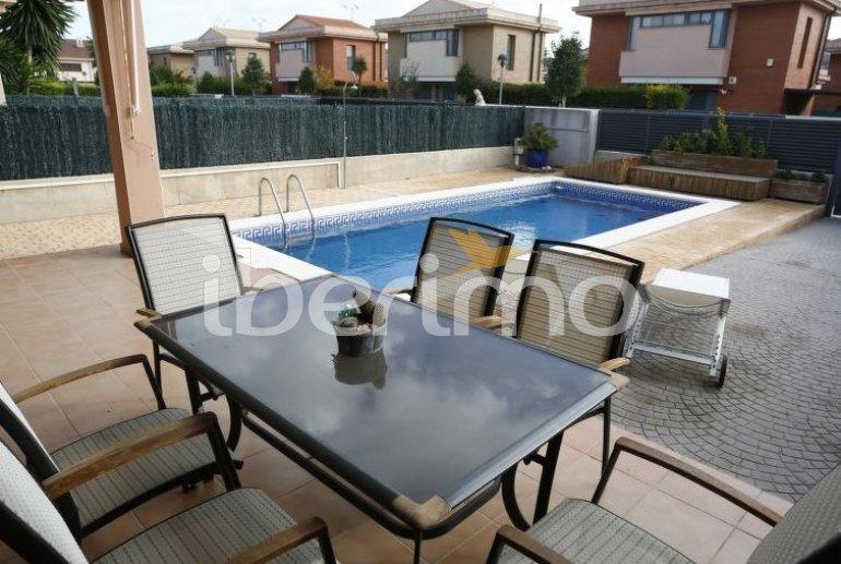 Villa   L'Ampolla para 6 personas con piscina privada p4